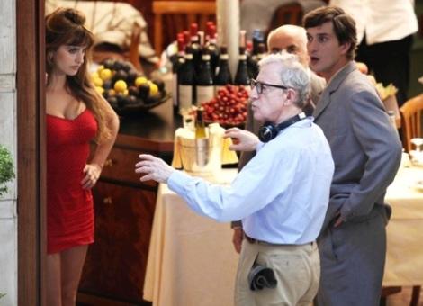 Penélope Cruz atendiendo órdenes de Allen durante el rodaje de Nero Fiddled