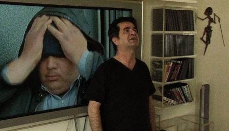 Jafar Panahi, en una imagen de Esto no es una película