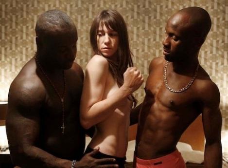 Gainsbourg y su trío interracial en 'Nymphomaniac'
