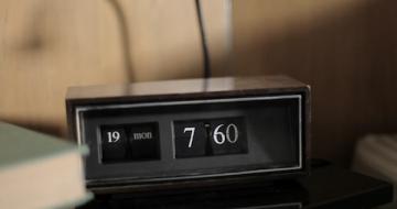 Reloj despertador de Dolph