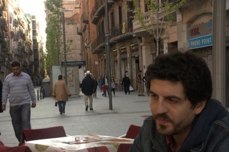 Ramiro Ledo en un rincón del Raval