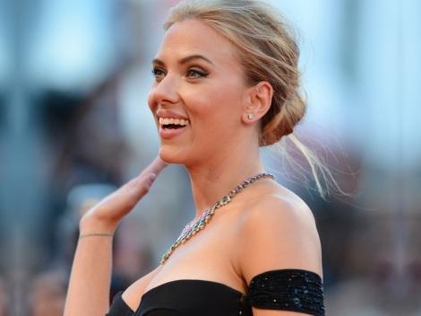 Scarlett+Johansson+Under+Skin+Premieres+Venice+Yok3VpazpVTx