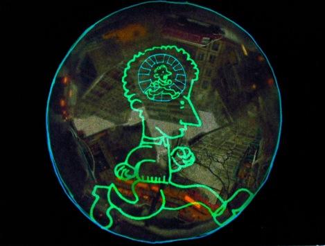 Gondry mezcla imágenes de todo tipo para ilustrar el pensamiento de Noam Chomsky